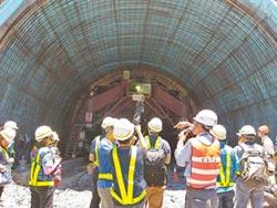 南迴公路草埔隧道測速 被批矛盾