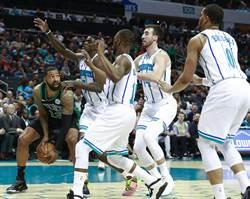 NBA》綠軍末節大崩盤 想要晉級還需等等