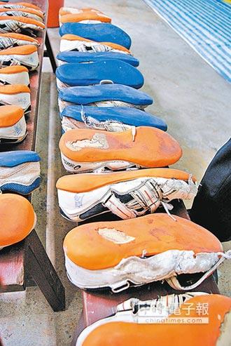 鞋底多磨損 小心走路姿勢有問題