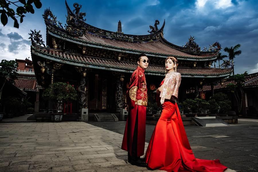 女主播葉映彤公開婚紗照,宣布嫁給一見鍾情的遠距離男友。(圖/LinLi Boutique提供)