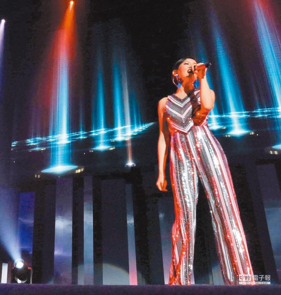 林佳儀一月時首開個唱,緊張到差點忘詞。
