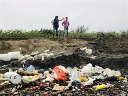 西湖濕地遭廢棄物佔據  苗議員怒轟破壞棲地