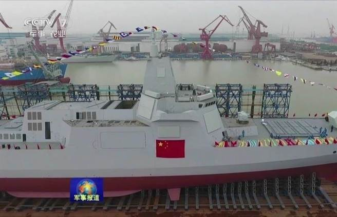 传4月服役 055舰发功 陆海军将具协同作战力