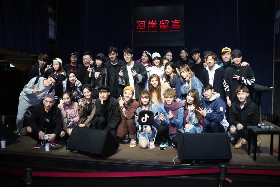 群星到場支持Wish朱宇謀生日會。(圖/單純夢想文創提供)