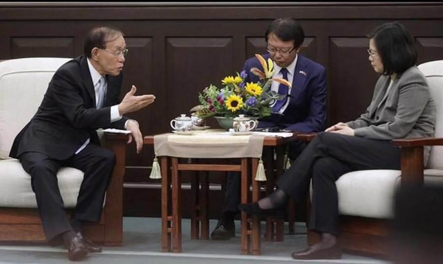 總統蔡英文接見外賓。(圖/葉毓蘭臉書)
