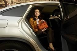 江疏影、鄭恩彩公開TODS女郎的日常 拎D-Styling包穿梭米蘭