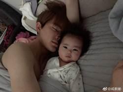 42歲咸素媛曬女兒 意外曝富二代老公床照