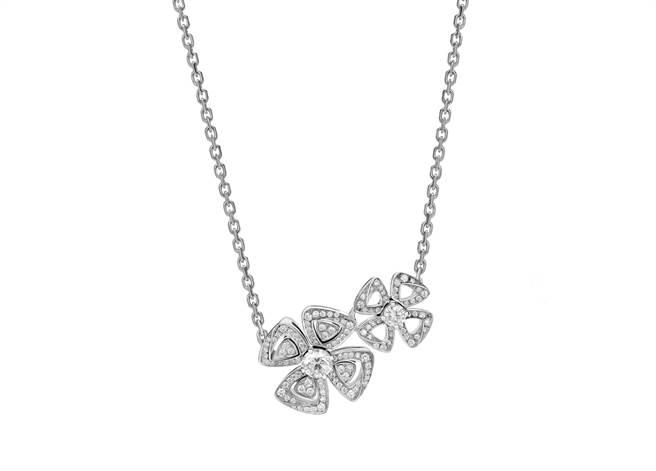 寶格麗FIOREVER系列白K金鑽石項鍊,約31萬2200元。(BVLGARI提供)