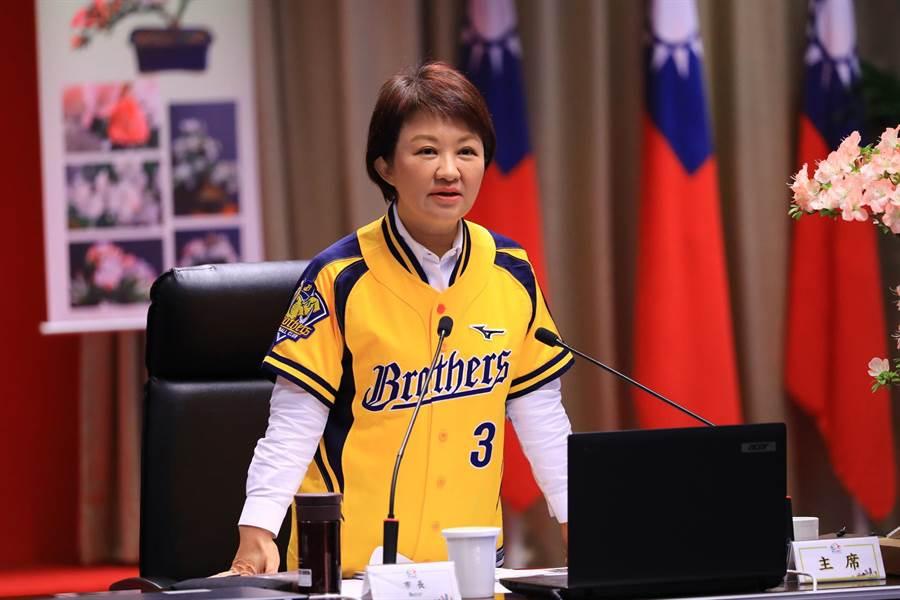 台中市長盧秀燕26日建言,國民黨應建立類似「公道伯」的小組參與總統初選協調,不要在媒體上互相放話,傷害團結。(盧金足攝)