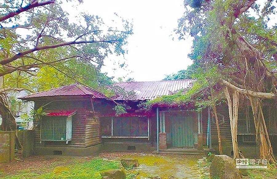 松山療養所長宿舍建於日治時期,由於建築格局大且建材用料佳,於2006年登錄為歷史建築。(文化局提供)