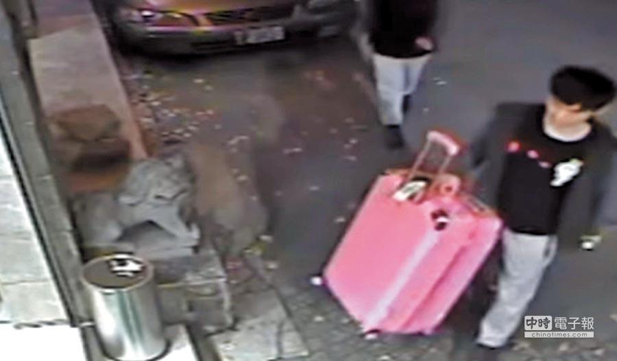 2018年3月14日,港女潘曉穎遭男友在台殺害棄屍,入住所攜行李箱成為運屍工具。 (本報系資料照片)