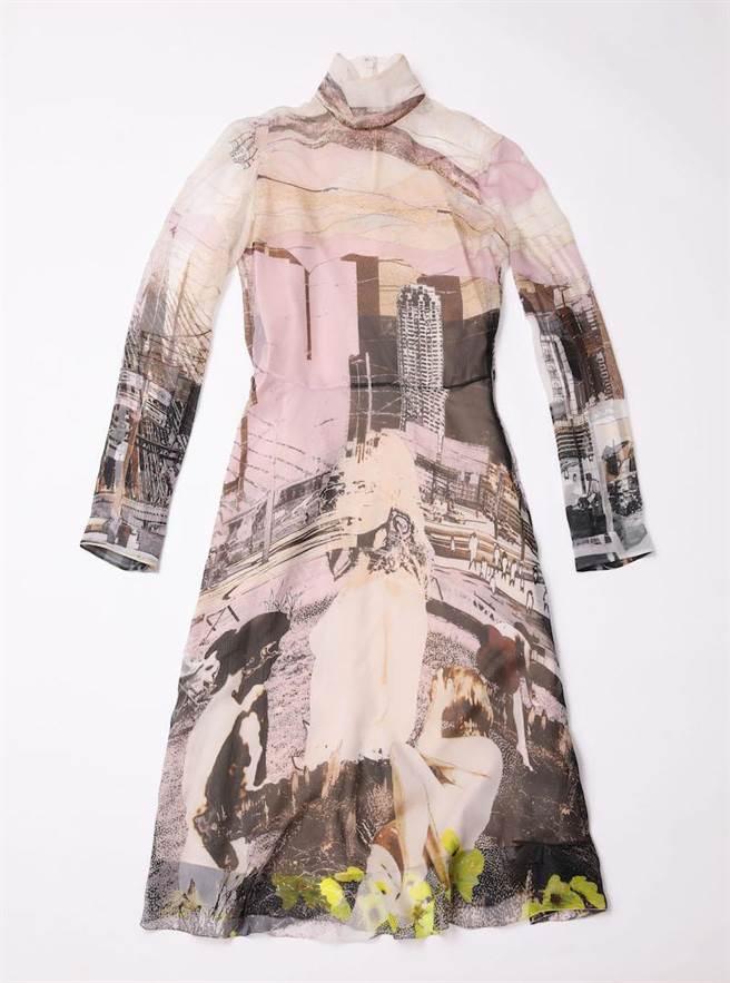 台中大遠百獨家販賣的PRADA城市剪影系列雪紡洋裝,8萬2000元。(PRADA提供)