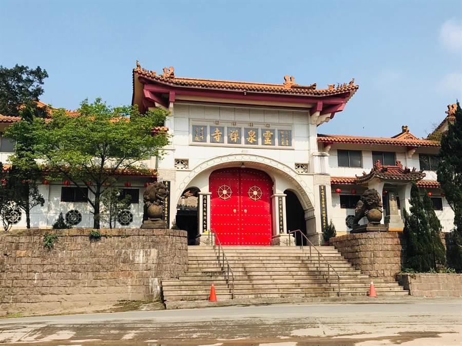 靈泉禪寺驚爆醜聞,傳出退休老方丈與比丘尼同遊日本時,竟共住一室。(張穎齊攝)
