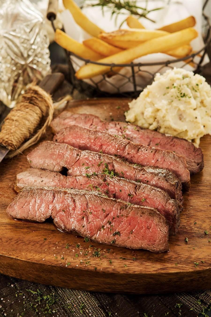 美國牛肉在台灣進口牛肉市占持續成長,在牛排館可以吃到不同部位美牛烤製的牛排。(圖/美國肉協)