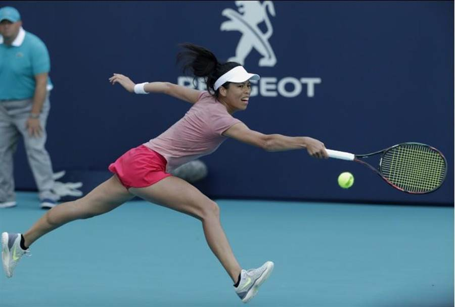 謝淑薇在邁阿密公開賽女單止步八強、女雙16強賽也飲恨衛冕冠軍,賽後坦然面對失利結果。(美聯社)