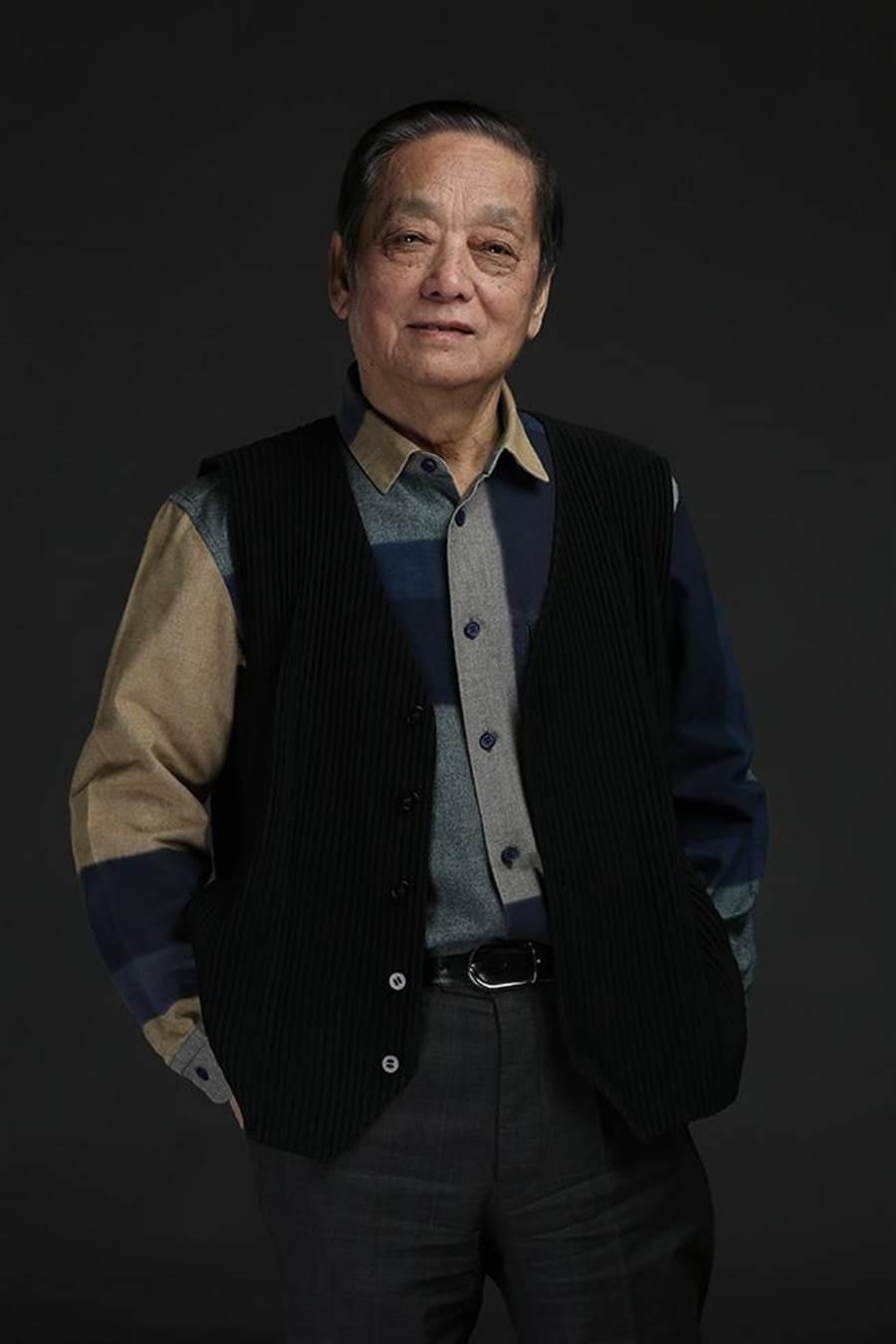 """韓美林獲""""影響世界華人大獎""""終身成就獎。"""