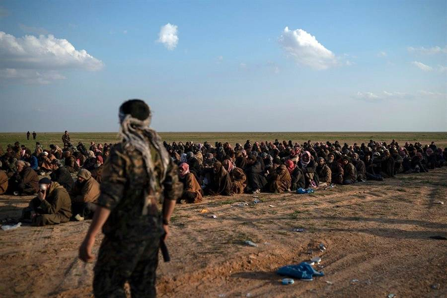 IS伊斯蘭國瓦解,但是5年來號召而加入的IS成員成了沒人要收的燙手山芋。(圖/美聯社)