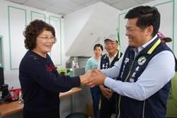 民進黨雲林海線立委初選 許忠富、蔡秋敏禮貌握手