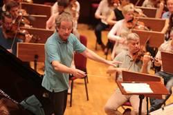 克里夫蘭管弦抵台  總監魏瑟-莫斯特排練不馬虎
