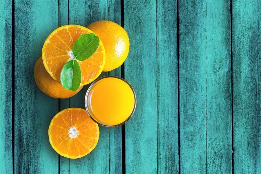 日本國立癌症研究中心研究發現,平時多吃一些柑橘類水果,可降低胰腺癌發病風險。(達志影像/shutterstock)