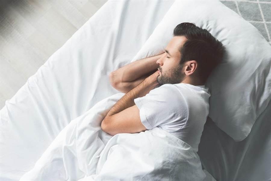 史丹佛大學要求選手,除了每天至少睡足7小時,更有4個習慣要他們嚴格遵守。(達志影像/shutterstock)
