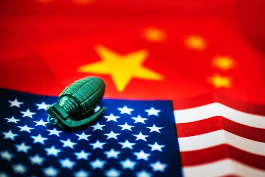 美國中央情報局前局長伍爾西指出,美國正面臨來自中國大陸三方面威脅,包括軍事準備、電磁脈衝與5G網路。(示意圖/達志影像)