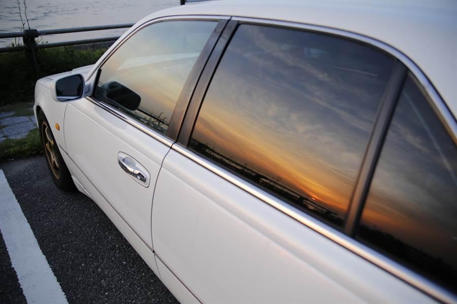 隨著科技的進步,不少汽車的前方都設有攝影機,因此現在三角窗越做越小,甚至有些車已沒有此設計(示意圖/達志影像)