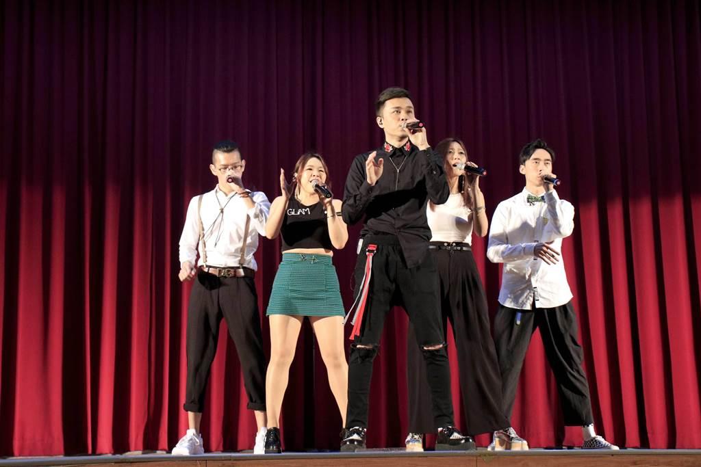 新北市永平高中今(29日)上午舉辦一年一度的「樂永平華」音樂會。(葉書宏翻攝)