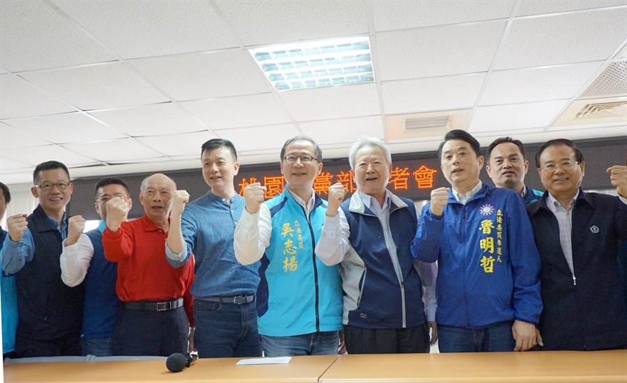 吳志揚宣布參選第二選區立委。(甘嘉雯攝)