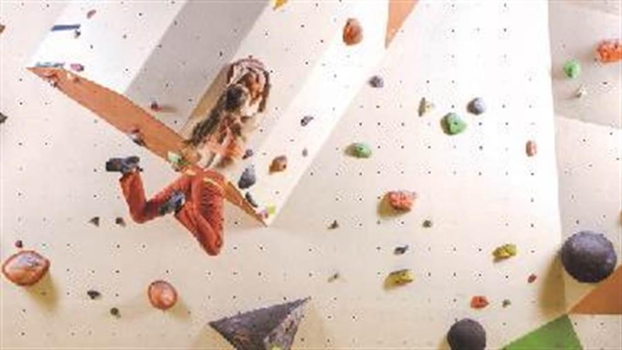 宏匯廣場5、6樓規畫跨樓層挑高9米的室內攀岩館。(宏匯廣場提供)