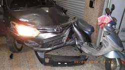 太囂張!酒駕男撞進騎樓毀7機車 還拿球棒叫囂