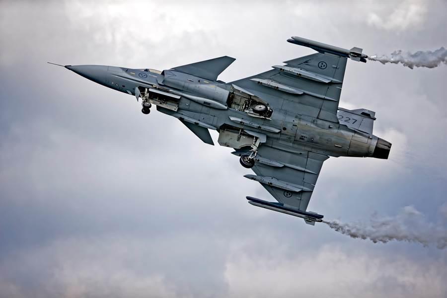 瑞典「獅鷲」(Gripen)戰機的資料照。(達志影像/Shutterstock)