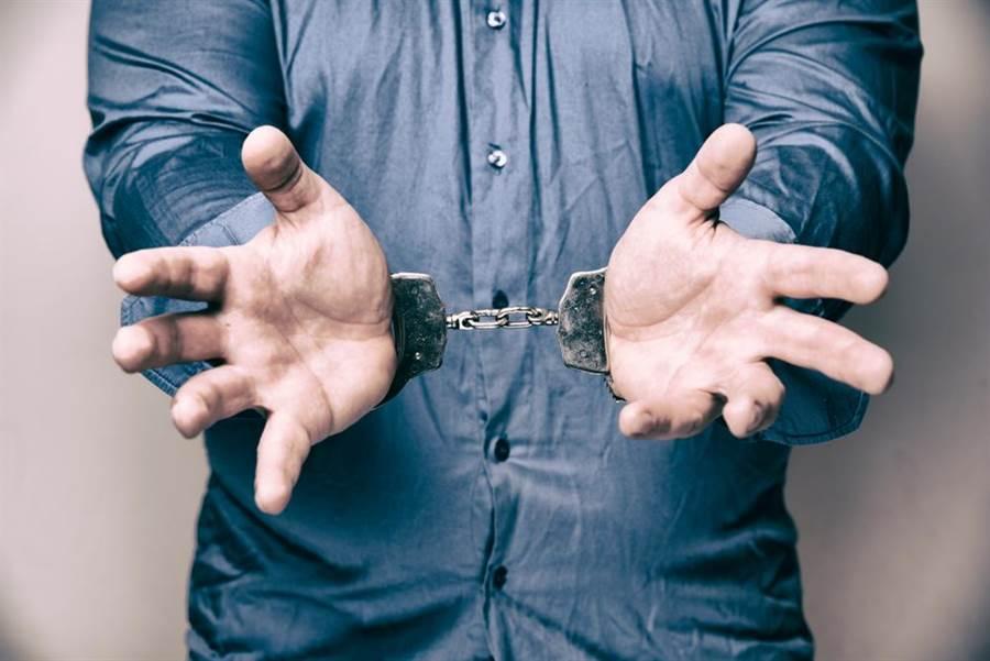 英國一名女子誣告15名男子強姦她,還害其中一人冤枉坐牢。(達志影像/shutterstock提供)