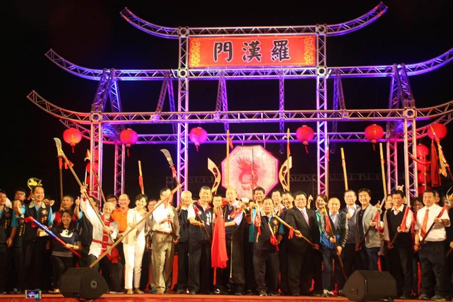 內門宋江陣活動30日晚間在內門順賢宮開幕,一連九天精彩登場。(林雅惠攝)