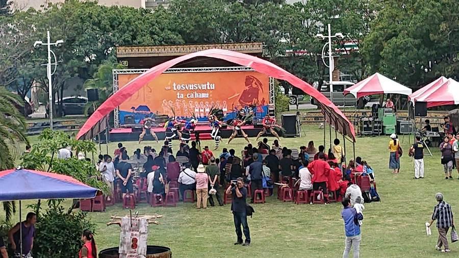 台南鄒族日活動在安平扎哈木公園舉行。(程炳璋攝)