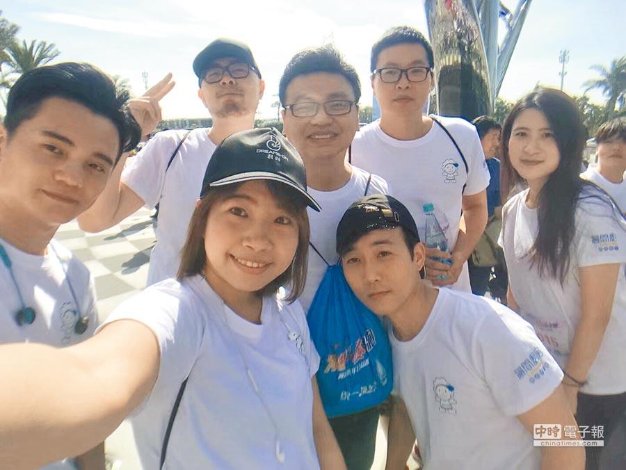 2018年5月29日,范姜鋒與兩岸學子一同參加營隊。(范姜鋒提供)