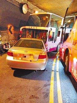 阿里山車禍 小客車對撞遊覽車