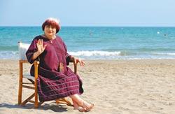 女權先驅 安妮華達90歲病逝