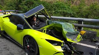 藍寶堅尼撞油罐車墜9米山谷 豪氣車主635萬全賠