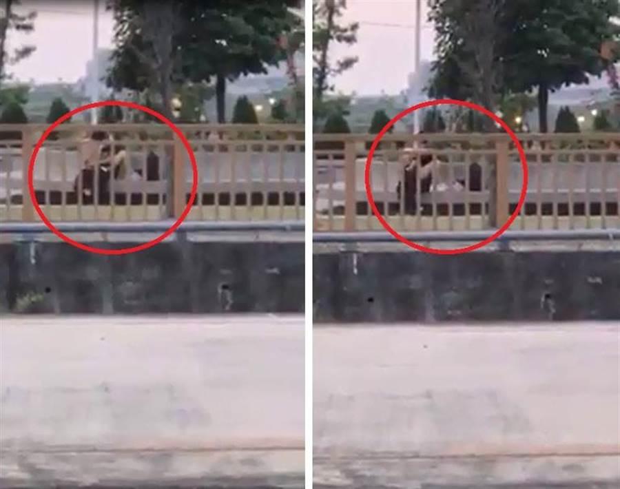 一名网友在脸书社团《爆料公社》上发出一段影片,只见一对男女在沙鹿火车站外的户外石椅上,不顾眾人目光就直接野战。(翻摄自爆料公社)