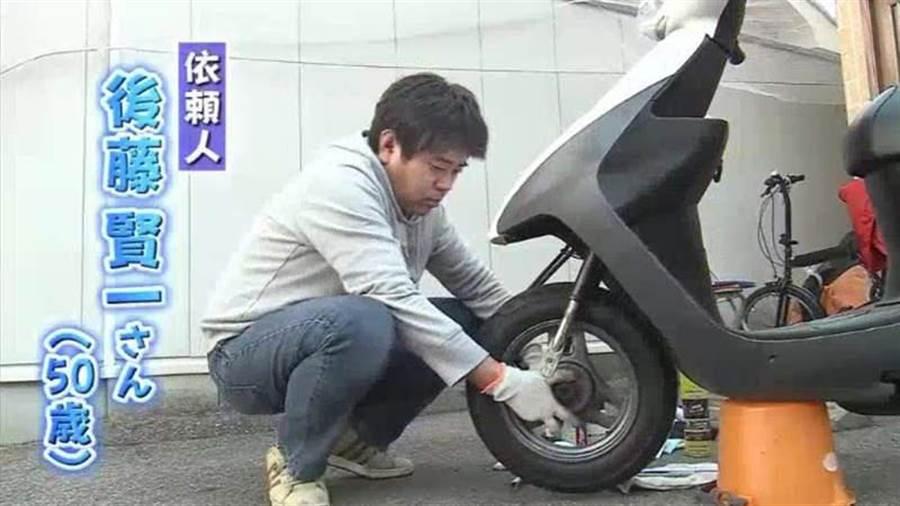 50歲的後藤賢一收集稀有電子雞長達15年(圖片截自/電視畫面)