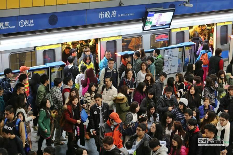 昔日台北捷運跨年夜。(圖/本報資料照,黃世麒攝)
