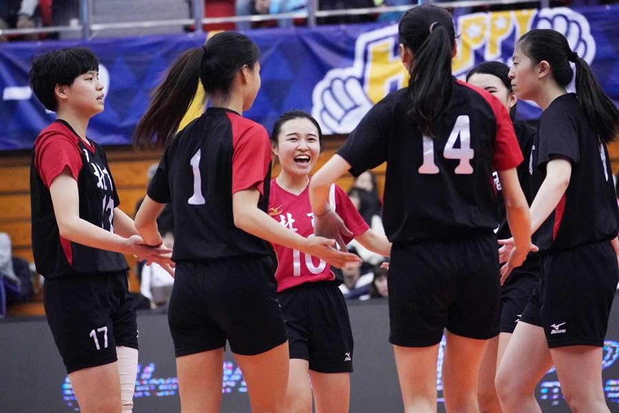 台北商大拿下UVL季軍,創隊史最佳成績。(大專體總提供)
