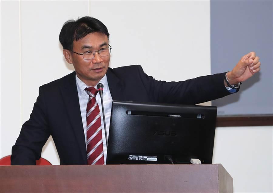 農委會主任委員陳吉仲(圖)。(中央社)