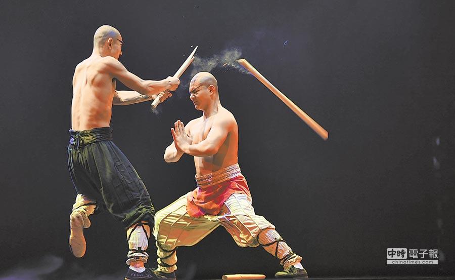 20歲的任景昊在劇情中表演氣功,讓觀眾看得「驚心動魄」。(胡鐵湘攝)