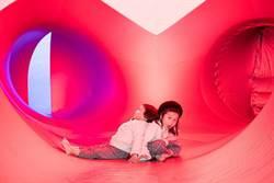 兩廳院有「藝」思!穿梭迷宮探「光影幻境」