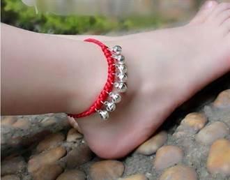 古代女子為何要在腳踝處繫紅繩?