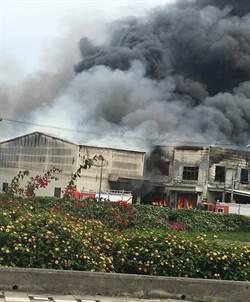 台中民宅火警延燒2間鐵皮工廠 無人傷亡