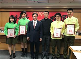 武陵高中學生獲107年度外交小尖兵 英語種籽隊選拔冠軍
