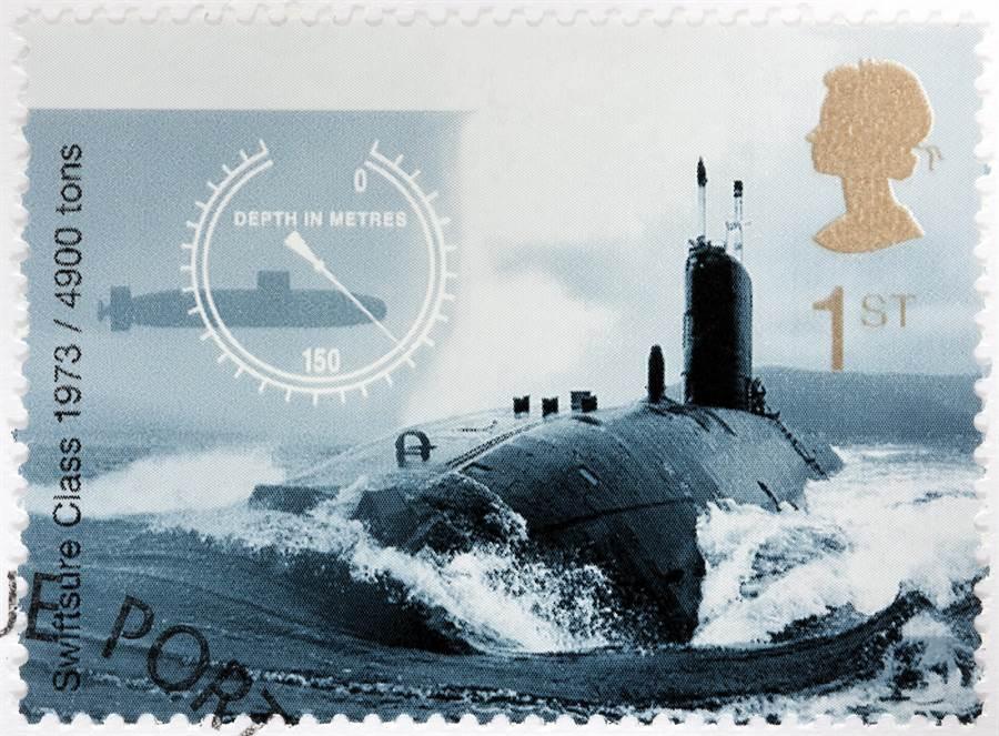 出現在英國郵票上的迅捷級(Swiftsure-class)核潛艦。(達志影像/Shutterstock)